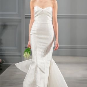 MONIQUE LHUILLER | NWOT Strapless Sweetheart Gown